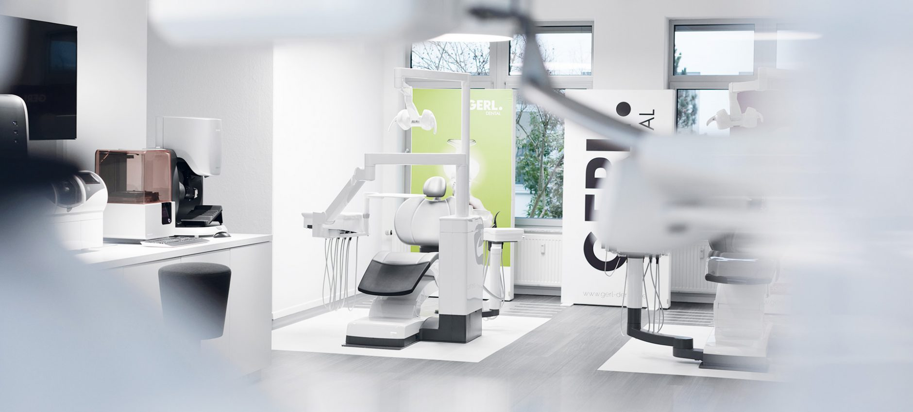 0019_GERL_DentalShowroom_Zaehne_1920x1000_72dpi.jpg