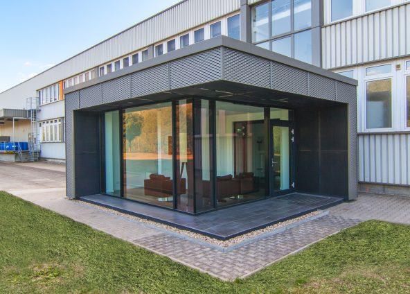 BOKA Architektur Hochbau Neubau Empfangsgebäude mondi Trebsen